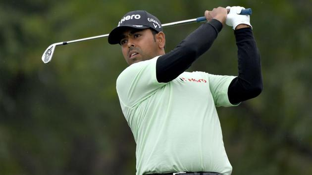 Anirban Lahiri of India plays a shot on the 6th hole during the first round of the Desert Classic.(AFP)