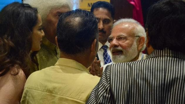 Prime Minister Narendra Modi, santoor maestro Shiv Kumar Sharma and actress Kangana Ranaut at the inauguration of National Museum of Indian Cinema, in Mumbai.(IANS)