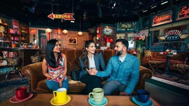 Sonam Kapoor nad Anand Ahuja enjoyed a coffee break with Vidya Vox at Central Perk.(Instagram)
