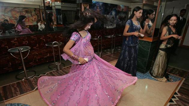 The Supreme Court overturned the Maharashtra government's closure of dance bars in Mumbai(HT Photo)