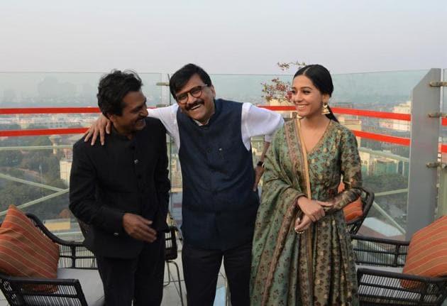 Actor Nawazuddin Siddiqui, Writer Sanjay Raut and Amrita Rao in Lucknow.(Subhankar Chakraborty/HT Photo)