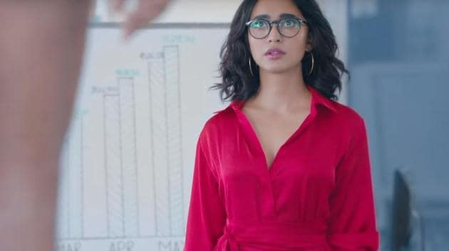 Four More Shots Please review: Sayani Gupta plays Damini on the show.