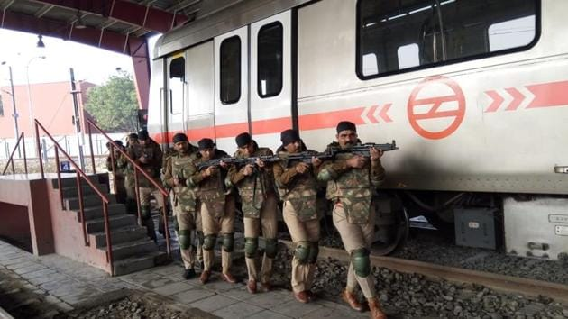 The CISF has trained around 500 UP Police personnel who will take over security of the Aqua Line.(HT Photo)