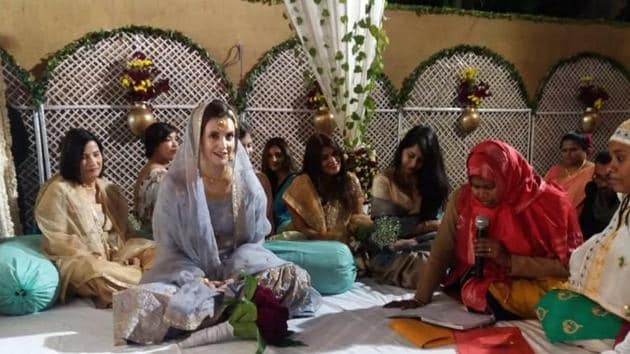 Maya Rachel McManus (bride) and her fiance had their marriage solemnised by a woman qazi or Muslim priest.(HT Photo)
