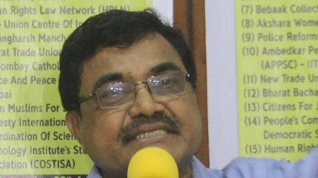 """Special public prosecutor Ujjwala Pawar , appearing for Pune Police, while opposing the anticipatory bail application of Prof Anand Teltumbde for his alleged link with Maoists, said there is """"incriminating"""" material against Teltumbde, who has been booked along with other activists for their alleged links with Maoist outfits and """"aggregating violence at Koregaon Bhima"""" last year.(HT FILE PHOTO)"""