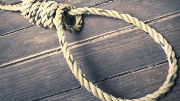 Bodies of two minor girls aged 14 and 15 years were found hanging in mysterious circumstances from an electricity pole in Pasgawan area of Lakhimpur late on Friday evening. (Representative photo)(HT File Photo)