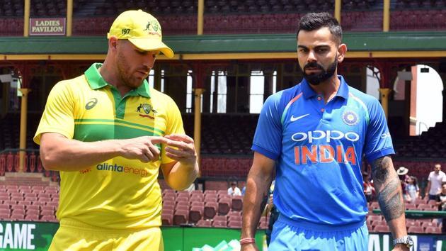 File image of India skipper Virat Kohli (right) and Australia T20I skipper Aaron Finch.(AFP)