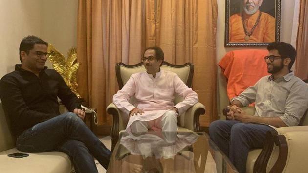 Sena chief Uddhav Thackeray with poll strategist Prashant Kishor and Shiv Sena youth wing chief Aditya Thackeray.(Twitter/Aaditya Thackeray)