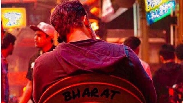 Salman Khan seen chilling on the sets of Bharat.