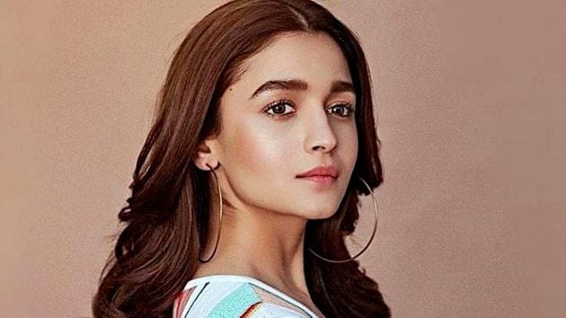 Alia Bhatt proves shoulder-grazing hoops are a fashion must-have. (Instagram)