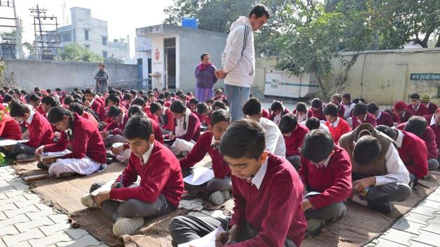 Aiming to review the school textbooks of Class 1 to Class 12, the education minister Govind Singh Dotasra passed the orders to constitute review committees on Wednesday.(HT file)