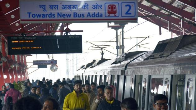 The extension of Delhi Metro's Red Line between Dilshad Garden in east Delhi and New Bus Adda in Ghaziabad comprises eight stations on an elevated corridor.(Sakib Ali / HT Photo)