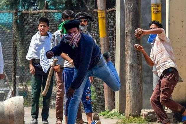 Clashes broke out on Awantipora in south Kashmir's Pulwama after a 29-year-old teacher who was arrested Sunday night was allegedly killed in police custody.(PTI)