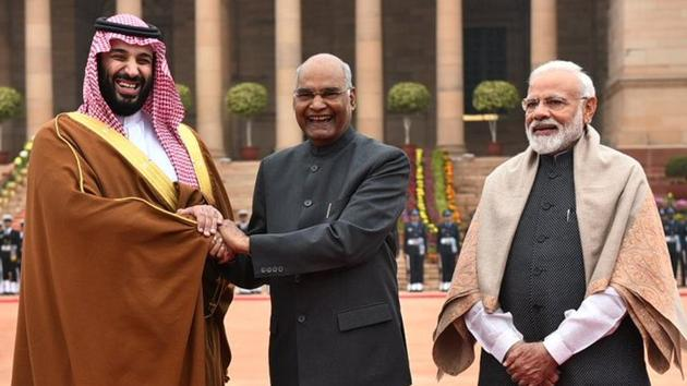 Saudi Arabia Crown Prince Muhammed bin Salman was given ceremonial welcome at the Rashtrapati Bhawan by President Ram Nath Kovind and Prime Minister Narendra Modi on Wednesday.(Photo: Twitter/@MEAIndia)