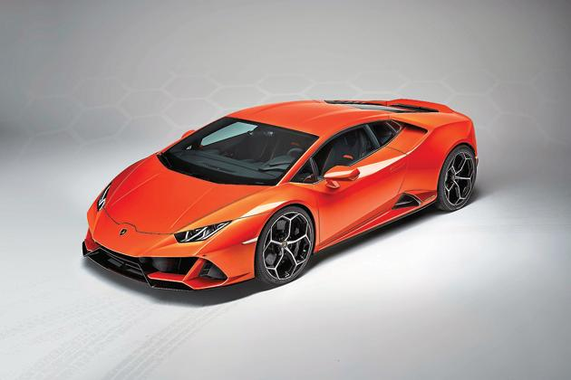 The Huracan Evo's shape is largely unchanged, but the design tweaks make it look more menacing