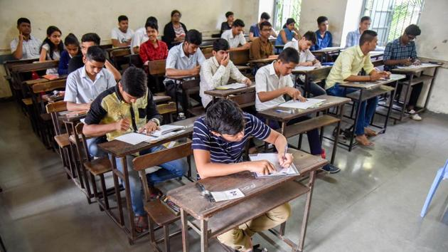 Gujarat, Kerala, and Chandigarh topped the index with scores ranging from 801 to 850 points out of an aggregate of 1,000.(HT PHOTO)