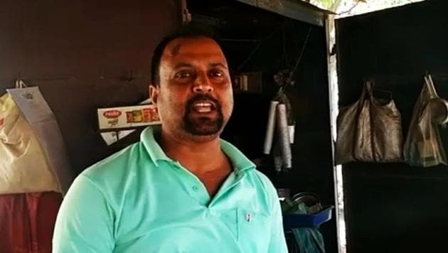 """Sarbeswar Patra, who runs a tea stall in Mancheswar area of the city, is offering tea and coffee at Rs 2 and Rs 3 respectively to his customers for saying """"Pakistan Murdabad"""".(HT Photo)"""