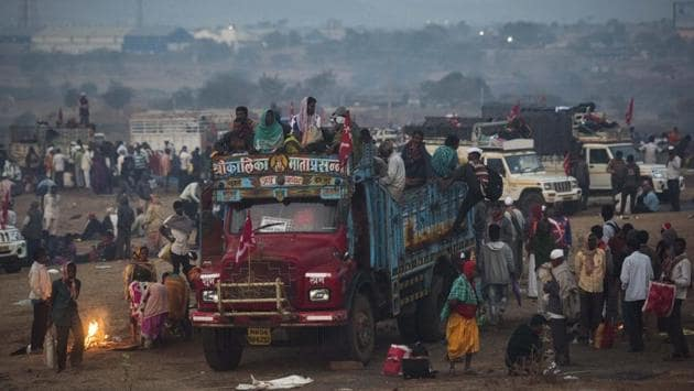 <p>Thousands of farmers, who began a march from Nashik to Mumbai on Thursday morning, called off their protest late at night after the state government promised...