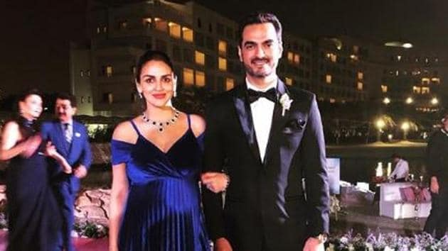 Esha Deol shared a new picture with husband Bharat Takhtani from a family wedding.(Instagram)
