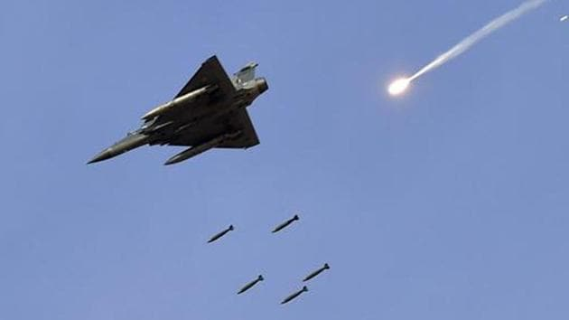 The IAF shot down a Pakistani F-16 fighter jet that intruded into Indian air space in Nowshera sector of Rajouri district in Jammu and Kashmir, according to external affairs ministry spokesman Raveesh Kumar.(PTI/Picture for representation)
