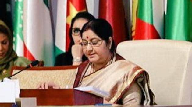 External Affairs Minister Sushma Swaraj addressing the inaugural plenary session of Organisation of Islamic Cooperation in Abu Dhabi on Friday.(Photo: Twitter/@MEAIndia)