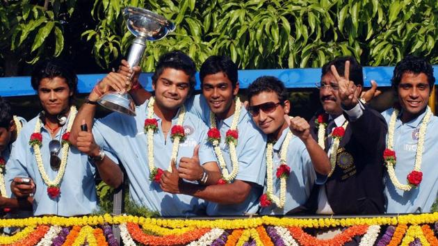 A file photo of Virat Kohli and his teammates after winning the 2008 U-19 World Cup.(Twitter)