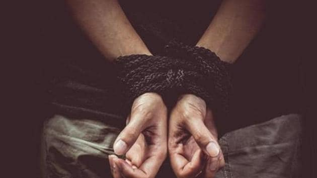 The 18 year old allegedly paid a ragpicker rupees 500 to make a ransom call of rupees 3 crore to his mother, as he wanted to purchase a Santro car.(HT Photo/Representative Image)
