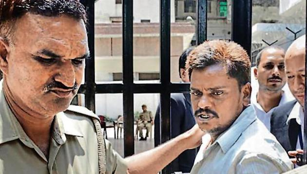 A CBI court on Saturday awarded the death penalty to Surinder Koli for murdering and then dismembering the body of a 14-year-old girl, one of the victims in the infamous Nithari killing case. sakib ali/ ht file(HT Photo)