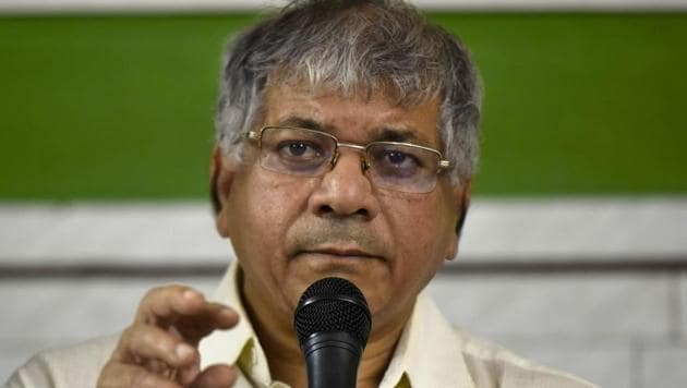 In a bid to woo the Prakash Ambedkar-led Vanchit Bahujan Aghadi, to form an alliance, the Congress and the Nationalist Congress Party offered the party four Lok Sabha seats in the state.(HT FILE)
