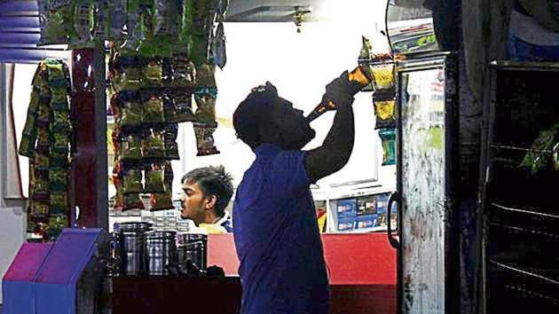 The revised rates of liquor in Haryana will be applicable from April 1. The state will earn an additional revenue of Rs 500 crore.(HT File / Representative Photo)