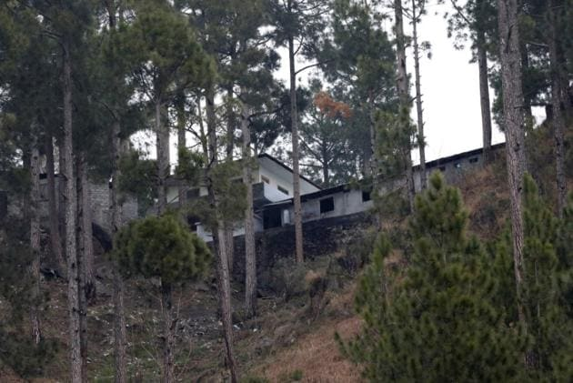 A general view of a building, which according to residents was a madrasa (religious school) is seen near the site where Indian military aircrafts struck on February 26, 2019.(Reuters photo)