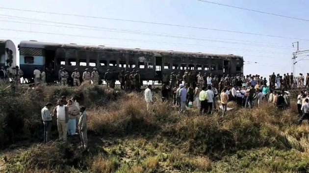 Sixty eight people - 42 of them Pakistani passengers - were killed in the attack when the bi-weekly train, connecting Delhi and Attari at India-Pakistan border in Punjab, on the night of 18 February 2007.(PTI)