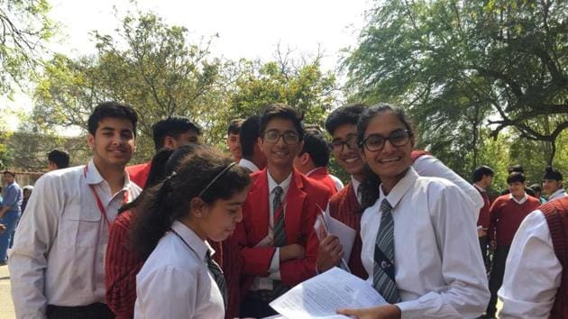 CBSE Class 10 science paper analysis: Students of GD Goenka Public School in Lucknow after appearing in CBSE Class 10 science examination on Wednesday.(Rajeev Mullick/HT photo)