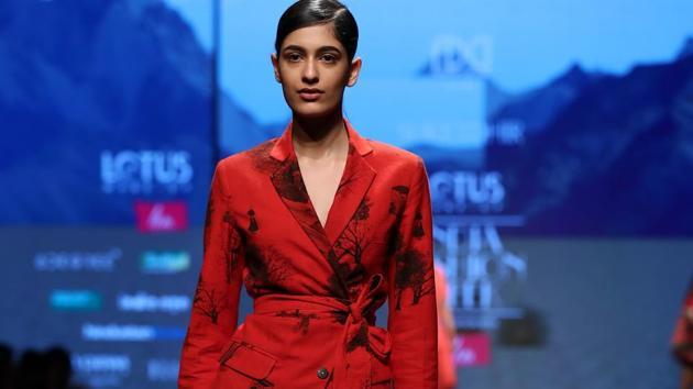 Suket Dhir/ Lotus Make-Up India Fashion Week AW' 2019