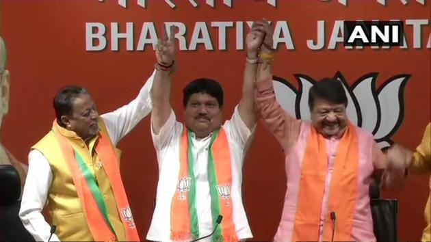 TMC leader and four-time legislator from West Bengal Arjun Singh Thursday joined the BJP, giving a boost to the saffron party's prospects in the state for the Lok Sabha elections.(ANI/Twitter)