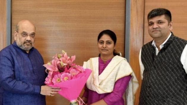 BJP chief Amit Shah announced on Friday that Apna Dal leader and sitting MP Anupriya Patel will contest from her Mirzapur seat.(Amit Shah/Twitter)