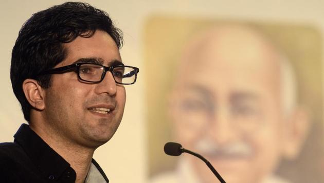 Former IAS officer Shah Faesal launched a new political party at an impressive public rally in Srinagar on Sunday.(Ravindra Joshi/HT File Photo)