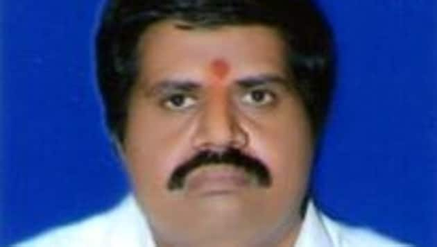 Muttamsetti Srinivasa Rao who won the Anakapalli Lok Sabha seat in 2014 on a TDP ticket, switched over to the YSR Congress in February this year.(HT PHOTO)