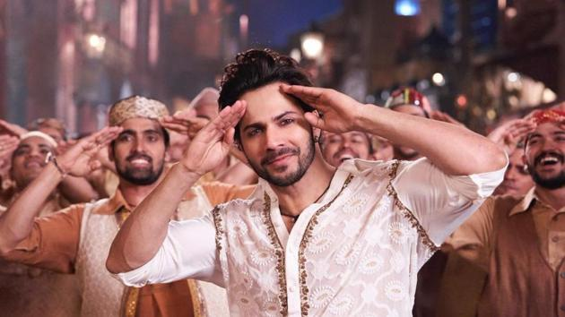 Kalank song First Class: Varun Dhawan grooves with Kiara Advani in this