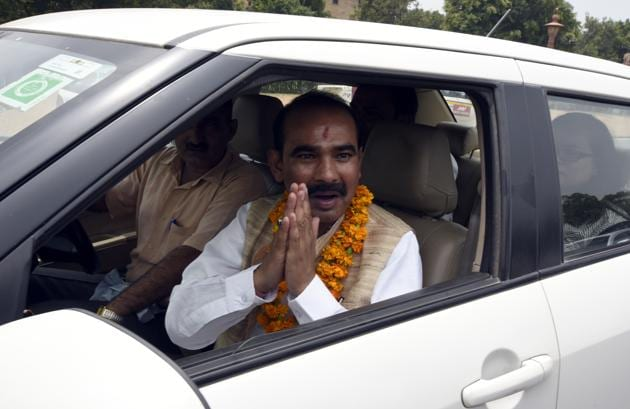 Ajay Tamta is the BJP candidate from Almora Lok Sabha constituency. The party brass seems to have given Tamta, a Union minister of state in the Union cabinet, preference because of his administrative experience.(HT File Photo)