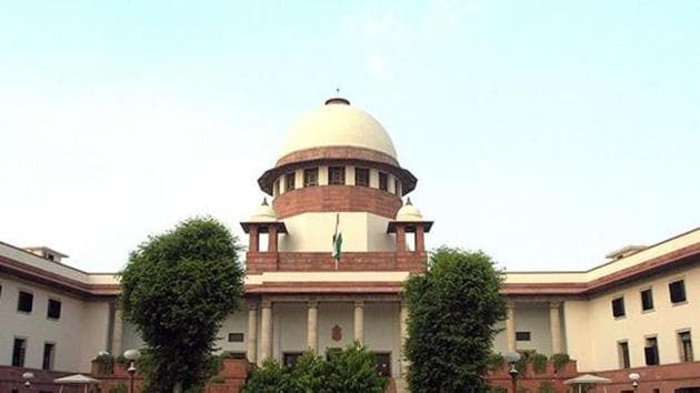 The constitution bench will also deal with the controversial matter related to land acquisition law in which a three-judge bench was accused of overlooking an earlier ruling by a bench of the same strength.(HT File Photo)