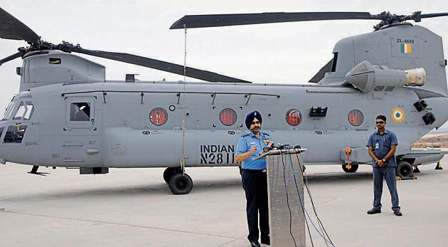 The Pakistan Air Force (PAF) failed to achieve its objective when it launched a counter-attack on February 27 through the Nowshera sector in Jammu, Chief of Air Staff Air Chief Marshal BS Dhanoa said on Monday.(HT file photo)