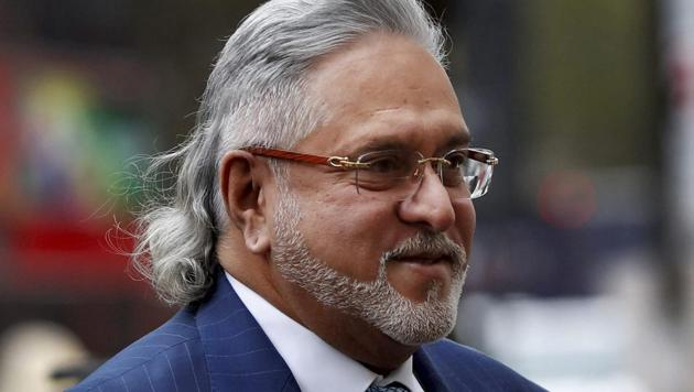 Facing charges of financial irregularities worth over Rs 9,000 crore, Mallya again took to twitter on Tuesday to reiterate his main contention that his inability to return bank loans was a result of genuine business failure, offering to repay them.(AP File Photo)
