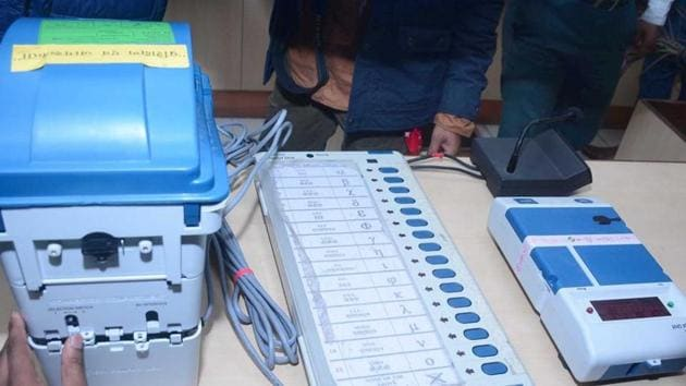 A view of an Electronic Voting Machine (EVM) and Voter verifiable paper audit trail (VVPAT), at DM office, in Ghaziabad, India, on Thursday, March 14, 2019. The members of the federation of association of apartment owners will request contesting candidates to give affidavits which will include time line of the works which the candidate promises in their area.(Sakib Ali / Hindustan Times)