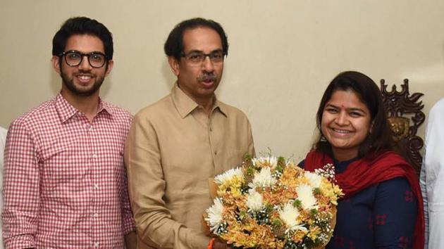 "Poonam Mahajan, however, said her visit was to seek the ""blessings"" of Uddhav Thackeray.(HT File Photo)"