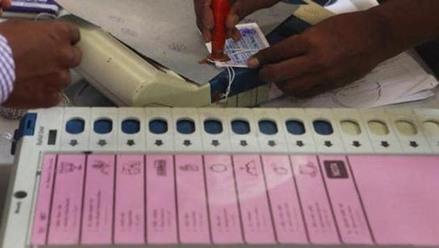 Residents of Kesurua Kala village in Uttar Pradesh say they will boycott Lok Sabha elections as the district administration has not taken action on their complaint.(HT Photo)