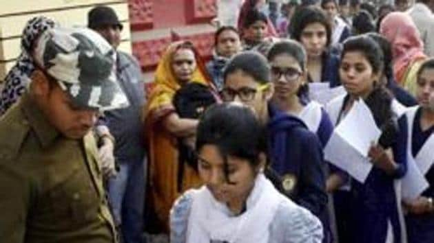 Bihar Board students who are not happy with their Bihar School Education Board (BSEB) intermediate examination results, declared on Saturday, can apply for the scrutiny of their answer sheets from April 3 to April 12, 2019.(PTI/File)