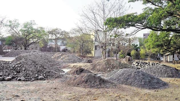 The construction of the food mall worth Rs 1.05 crore started last week near the department of Law inside SPPU(Ravindra Joshi/HT PHOTO)