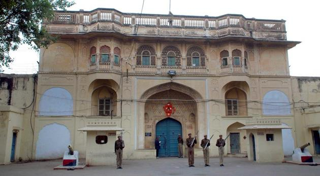 The Jaipur Central Jail authorities said officials had gone for a sudden inspection in cell number 10 of the high security ward on Saturday when the inmates abused and attacked them.(HT Photo)