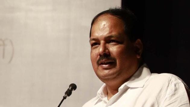 Strongly influenced by NCP president Sharad Pawar, the Congress-NCP alliance appears all set to anoint the anti-Brahmin Maratha leader Pravin Gaikwad (in picture)- newly inducted in the Congress- as its nominee for the Pune Lok Sabha seat.(HT PHOTO)